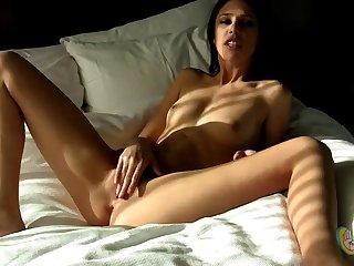 Manojob Siterip Anastasia Morna