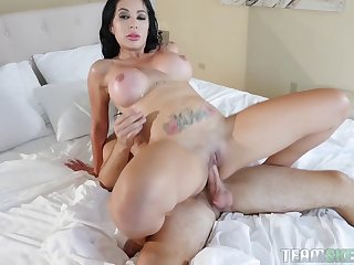 Enticing Brunette With Big Boobs Pussy Pounded In The Bedroom